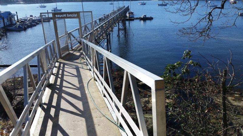 Aluminum Ramp Boat Dock Marine Grade bridge gangway walkway lake ocean marina heavy duty pacific ocean riptide parksville sproat (4)